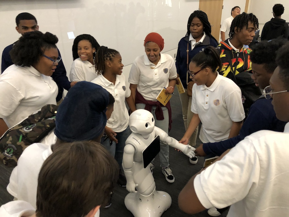 9th Graders interract with robot humanoid during a KUEST workshop